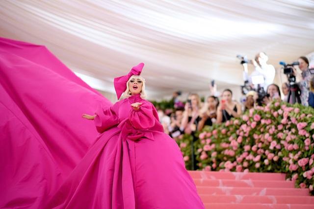 Loạt trang phục nổi bật của Lady Gaga tại Met gala 2019 - 9