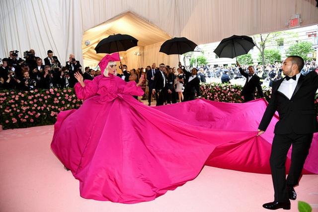 Loạt trang phục nổi bật của Lady Gaga tại Met gala 2019 - 7
