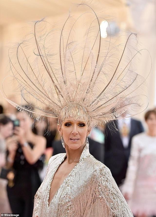 Celine Dion được khen mặc quá bắt mắt - 6