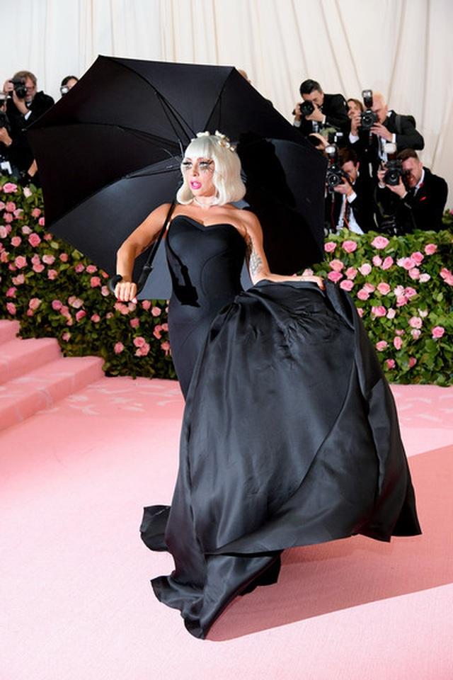 Loạt trang phục nổi bật của Lady Gaga tại Met gala 2019 - 6