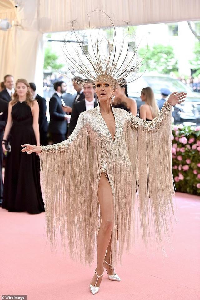 Celine Dion được khen mặc quá bắt mắt - 5