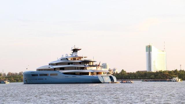 Cận cảnh siêu du thuyền triệu đô lướt sóng trên sông Hậu - 6