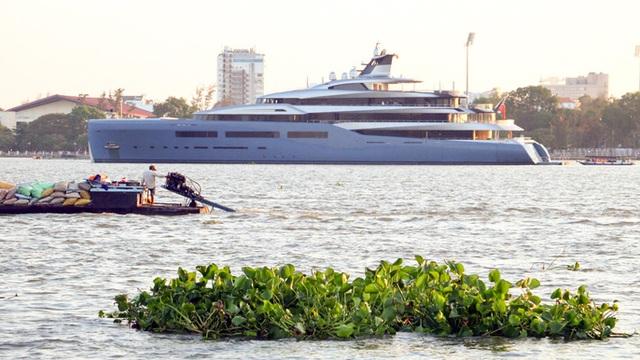 Cận cảnh siêu du thuyền triệu đô lướt sóng trên sông Hậu - 9