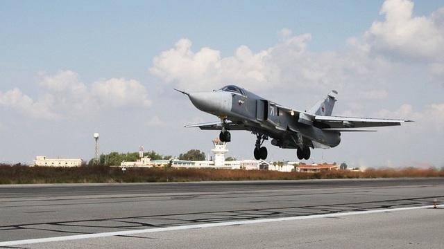Phiến quân nã 36 quả rocket vào căn cứ không quân Nga ở Syria - 1