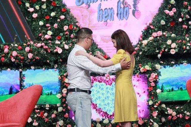 """Cô gái Bình Dương """"tán đổ"""" chàng giám đốc rụt rè tại show hẹn hò - 3"""