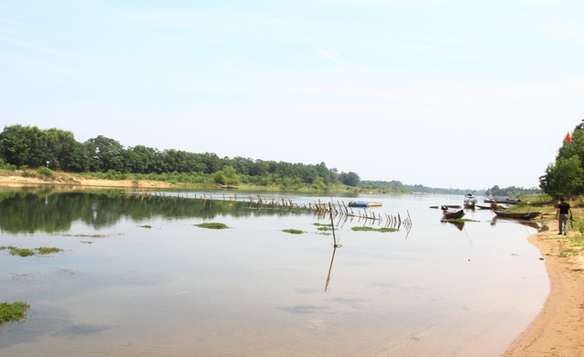 Bi hài cảnh trận địa cọc tre dàn kín mặt sông chống tàu cát tại Thừa Thiên Huế - 6