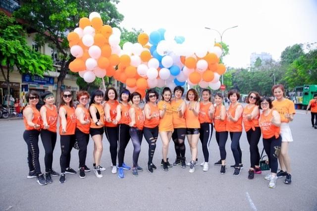 Hàng ngàn người tham dự flashmod Vũ điệu đam mê cùng Moist Diane Việt Nam - 5