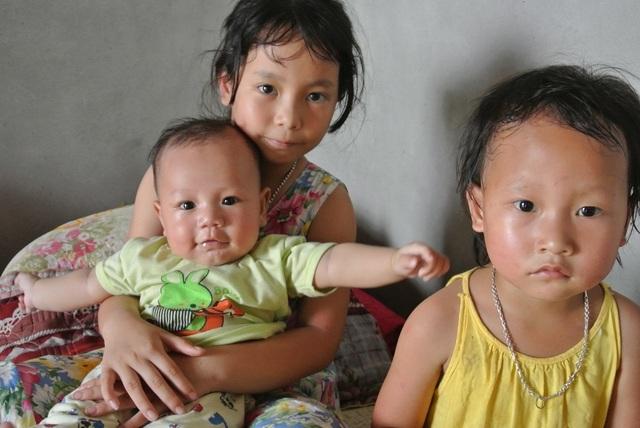 Đi xin sữa cho con, người chồng bị tai nạn tử vong, vợ và 3 con nhỏ bơ vơ - 5