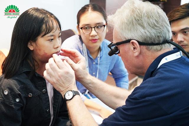 Gần 60 hồ sơ đăng ký phẫu thuật dị tật từ thiện được khám sàng lọc - 4