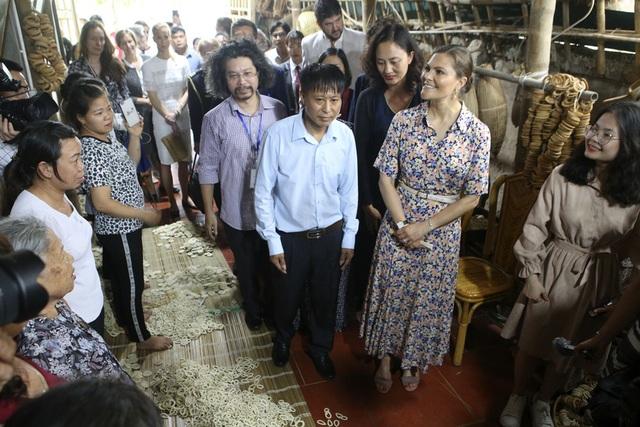Công chúa Thụy Điển thăm Văn Miếu, ca ngợi tình hữu nghị lâu bền với Việt Nam - 11