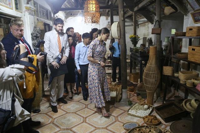 Công chúa Thụy Điển thăm Văn Miếu, ca ngợi tình hữu nghị lâu bền với Việt Nam - 20