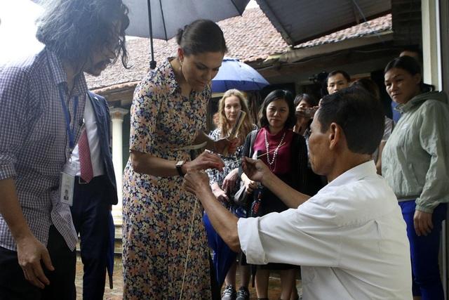 Công chúa Thụy Điển thăm Văn Miếu, ca ngợi tình hữu nghị lâu bền với Việt Nam - 16