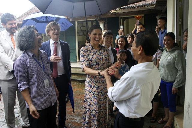 Công chúa Thụy Điển thăm Văn Miếu, ca ngợi tình hữu nghị lâu bền với Việt Nam - 18