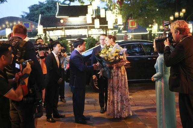 Công chúa Thụy Điển thăm Văn Miếu, ca ngợi tình hữu nghị lâu bền với Việt Nam - 1