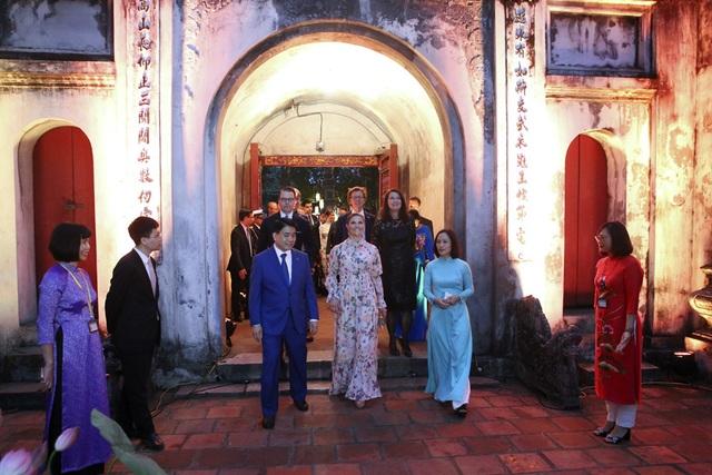Công chúa Thụy Điển thăm Văn Miếu, ca ngợi tình hữu nghị lâu bền với Việt Nam - 2