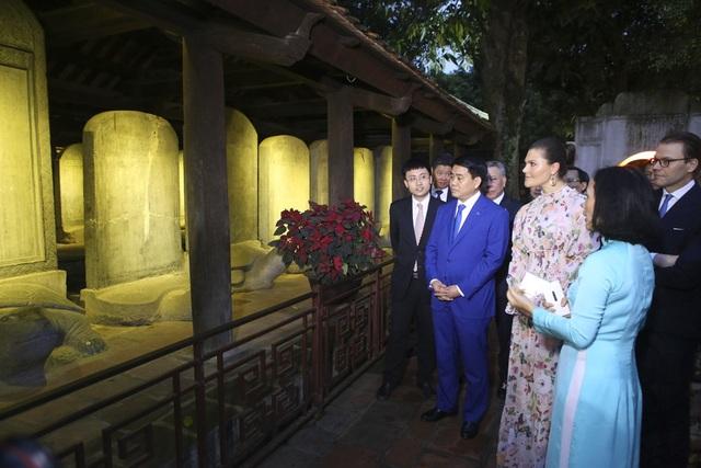 Công chúa Thụy Điển thăm Văn Miếu, ca ngợi tình hữu nghị lâu bền với Việt Nam - 4