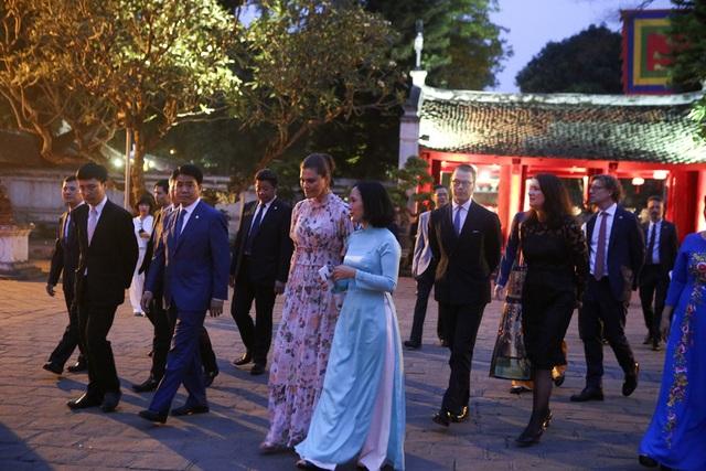 Công chúa Thụy Điển thăm Văn Miếu, ca ngợi tình hữu nghị lâu bền với Việt Nam - 8