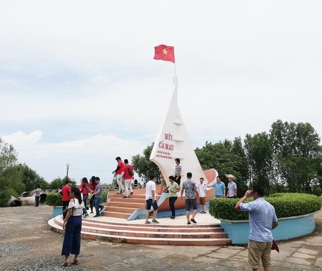 Hơn 18.000 lượt khách du lịch đến Đất Mũi Cà Mau dịp lễ 30/4 - 1