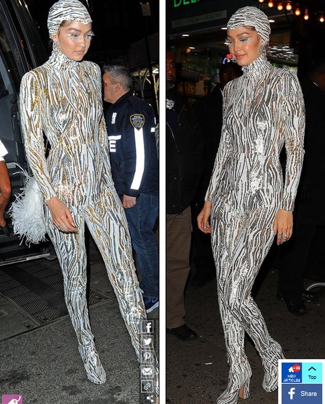Choáng váng với váy bó nghẹt thở của Kim Kardashian - 11