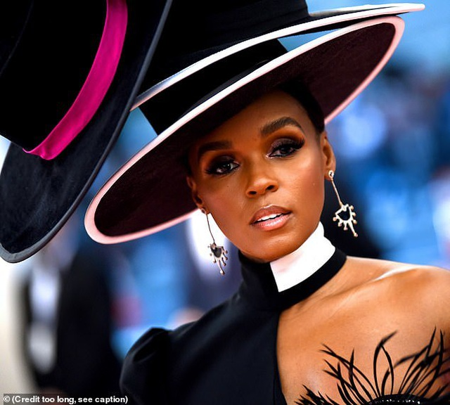 Janelle Monae đội bốn chiếc mũ dự Met gala - 1