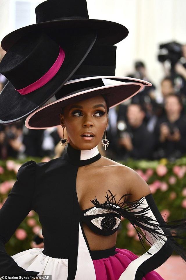 Janelle Monae đội bốn chiếc mũ dự Met gala - 6