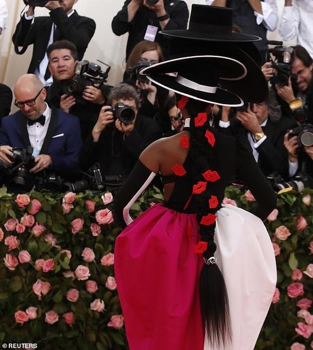 Janelle Monae đội bốn chiếc mũ dự Met gala - 5