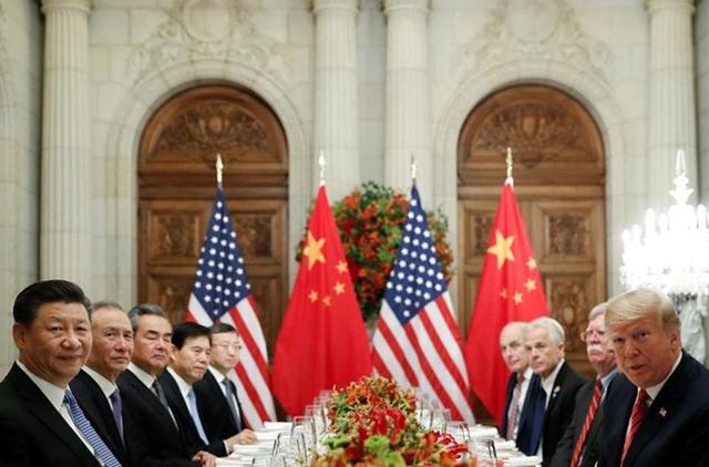 Hé lộ lý do ông Trump bất ngờ khơi lại chiến tranh thương mại với Trung Quốc - 1