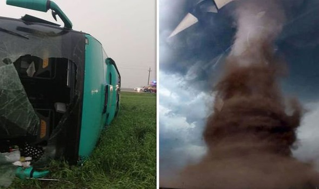 Xe bus bị lốc xoáy khổng lồ cuốn lên cao 10m, hành khách ngồi trong quay video - 1