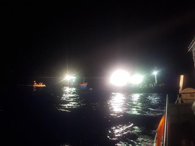 Cứu hộ cứu 2 tàu cá ngư dân Quảng Nam bị nạn