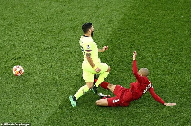 """Những khoảnh khắc kinh điển trong ngày Liverpool """"hủy diệt"""" Barcelona - 16"""