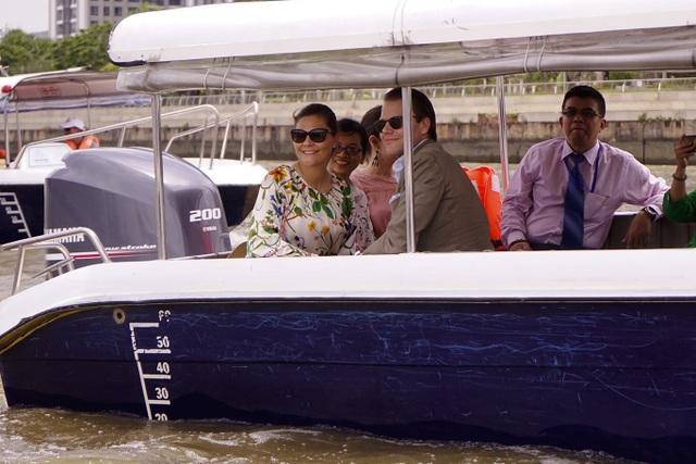 Công chúa Thụy Điển lướt ca nô du ngoạn sông Sài Gòn - 14
