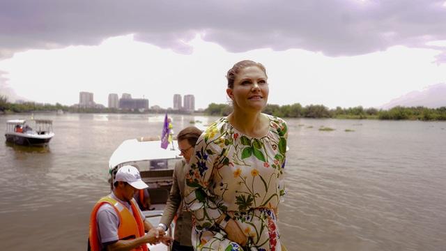 Công chúa Thụy Điển lướt ca nô du ngoạn sông Sài Gòn - 16
