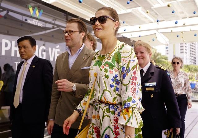 Công chúa Thụy Điển lướt ca nô du ngoạn sông Sài Gòn - 3