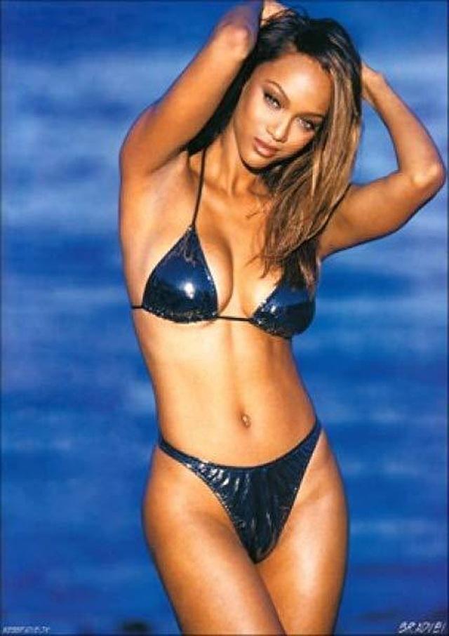 Tyra Banks là gương mặt trang bìa tạp chí áo tắm Sports Illustrated - 4