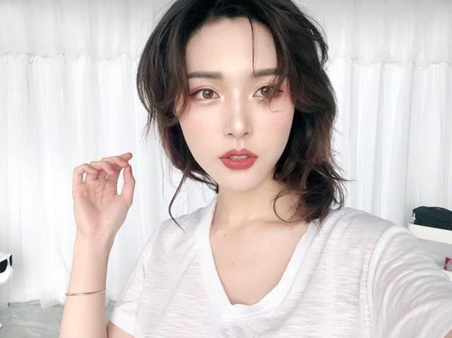4 cô gái đẹp Trung Quốc thu tiền tỷ bằng cách không ngờ này - 7