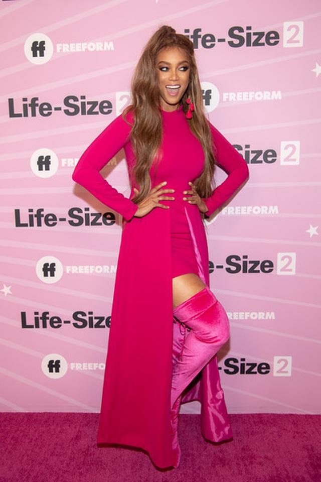Tyra Banks là gương mặt trang bìa tạp chí áo tắm Sports Illustrated - 7