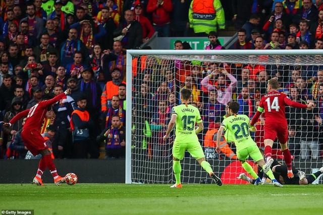 """Những khoảnh khắc kinh điển trong ngày Liverpool """"hủy diệt"""" Barcelona - 5"""