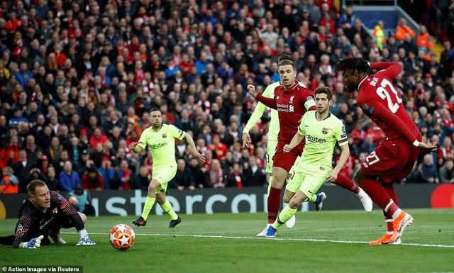 """Những khoảnh khắc kinh điển trong ngày Liverpool """"hủy diệt"""" Barcelona - 4"""