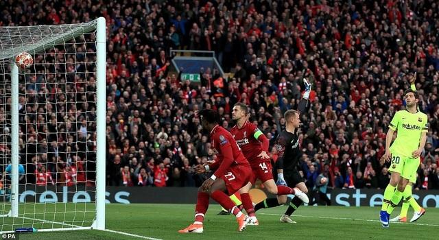 """Những khoảnh khắc kinh điển trong ngày Liverpool """"hủy diệt"""" Barcelona - 2"""