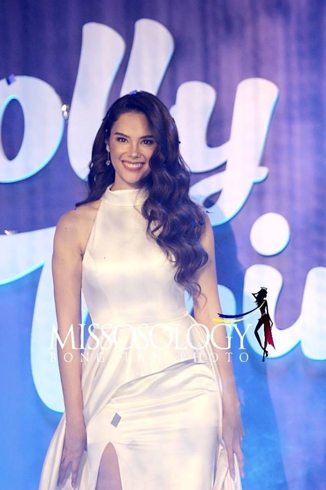 Vẻ đẹp rực rỡ và gợi cảm của Hoa hậu Hoàn vũ Catriona Gray - 15