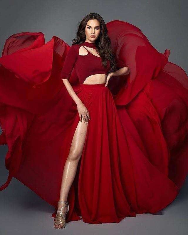 Vẻ đẹp rực rỡ và gợi cảm của Hoa hậu Hoàn vũ Catriona Gray - 18