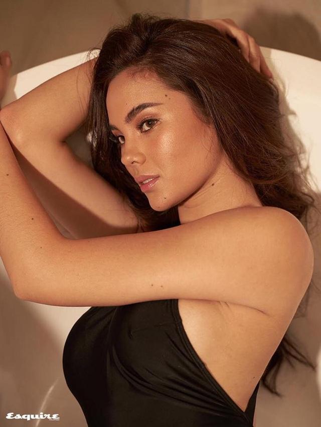 Vẻ đẹp rực rỡ và gợi cảm của Hoa hậu Hoàn vũ Catriona Gray - 11