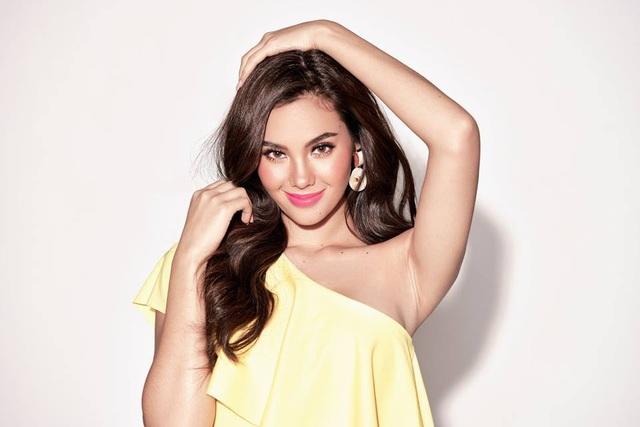Vẻ đẹp rực rỡ và gợi cảm của Hoa hậu Hoàn vũ Catriona Gray - 17