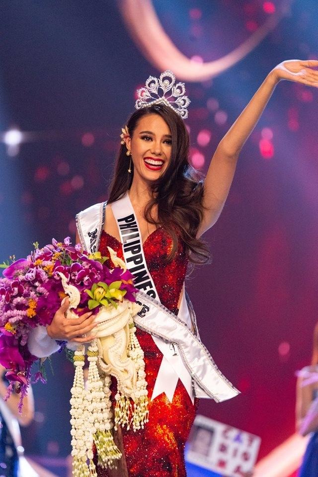 Vẻ đẹp rực rỡ và gợi cảm của Hoa hậu Hoàn vũ Catriona Gray - 1