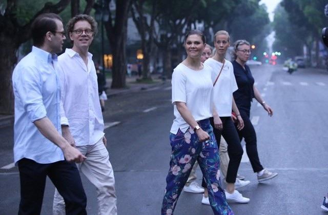 Công chúa Thụy Điển tập thể dục cùng người dân Hà Nội ở Hồ Gươm - 11