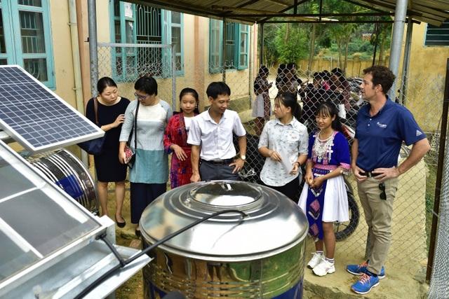 Điện Biên: Thầy trò trường THCS Mường Mùn vui mừng đón nguồn nước sạch! - 1