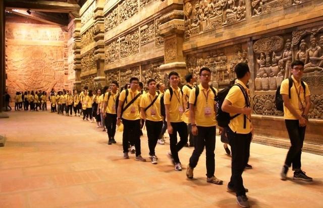 Hơn 7.000 thanh niên tình nguyện phục vụ Đại lễ Vesak 2019 - 2