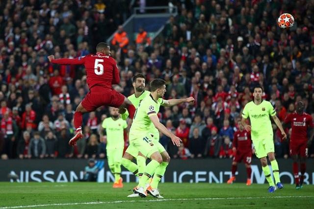 Liverpool 4-0 Barcelona: Cú sốc lớn tại Anfield - 8