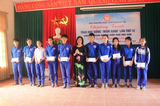 Hội Khuyến học 2 tỉnh Quảng Trị và Bắc Ninh trao đổi công tác khuyến học, khuyến tài - 2