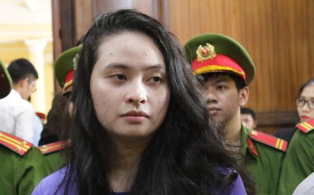 Hotgirl Ngọc Miu bị đề nghị 20 năm tù - 1